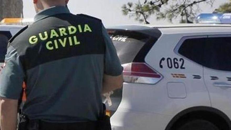 Dos hombres resultan heridos de consideración al apuñalarse mutuamente en Vimianzo