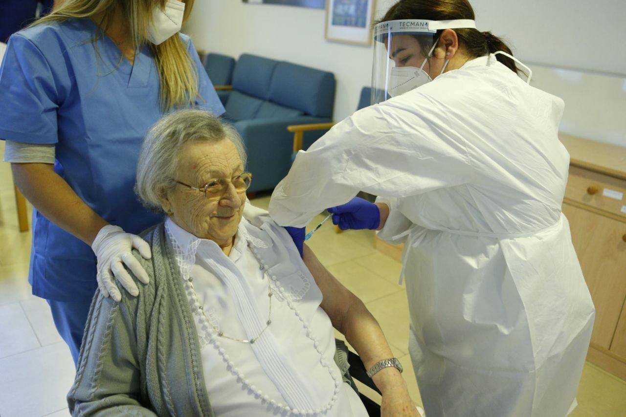 Baleares ha puesto el 70,7 % de vacunas y empieza segunda dosis en residencias