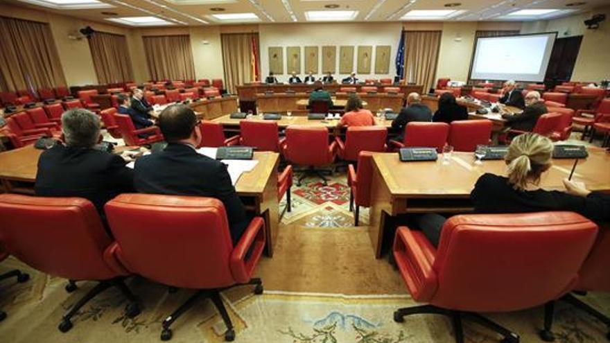 La Comisión de Presupuestos no debatirá 4.000 enmiendas con respaldo del Gobierno