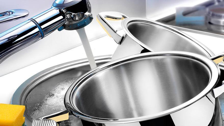 El truco de limpieza para recuperar el brillo de ollas y cacerolas en menos de 1 minuto