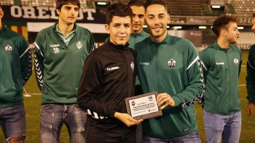 ¡Búscate entre todas las imágenes de la presentación del fútbol base del CD Castellón!
