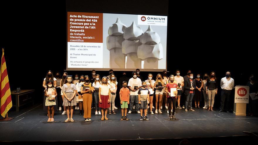 Òmnium premia els treballs dedicats a Gaudí de 28 estudiants de l'Alt Empordà