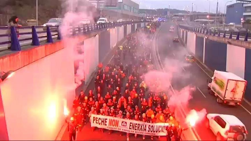 Alcoa cierra sus plantas de Avilés y A Coruña, que dan trabajo a 700 personas