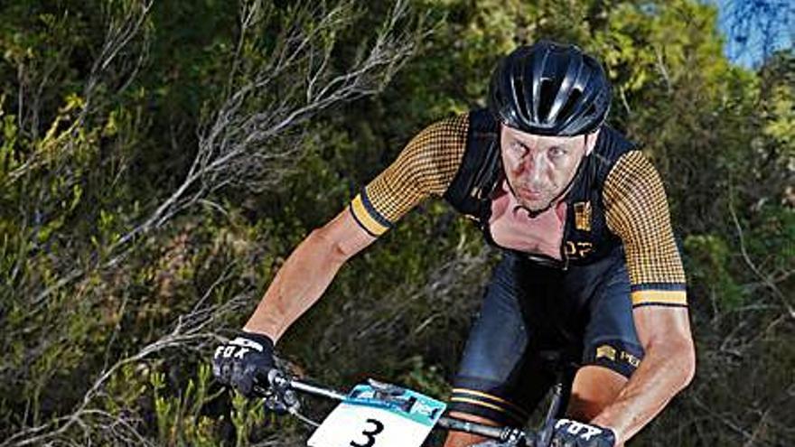David Leggett deja su firma en el BTT      de Jesús y arranca la Challenge Bicykids