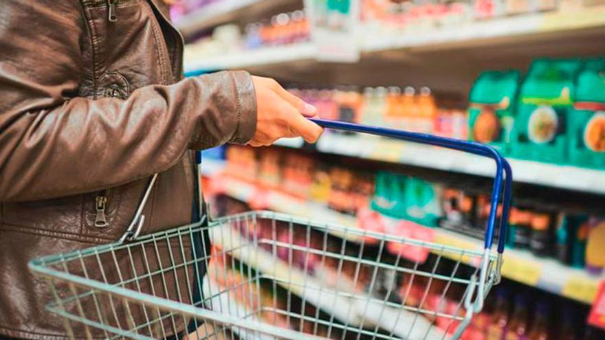 """La marca de salmón ahumado que las autoridades sanitarias recomiendan no comprar: """"puede tener efectos negativos sobre la actividad y la atención de los niños"""""""