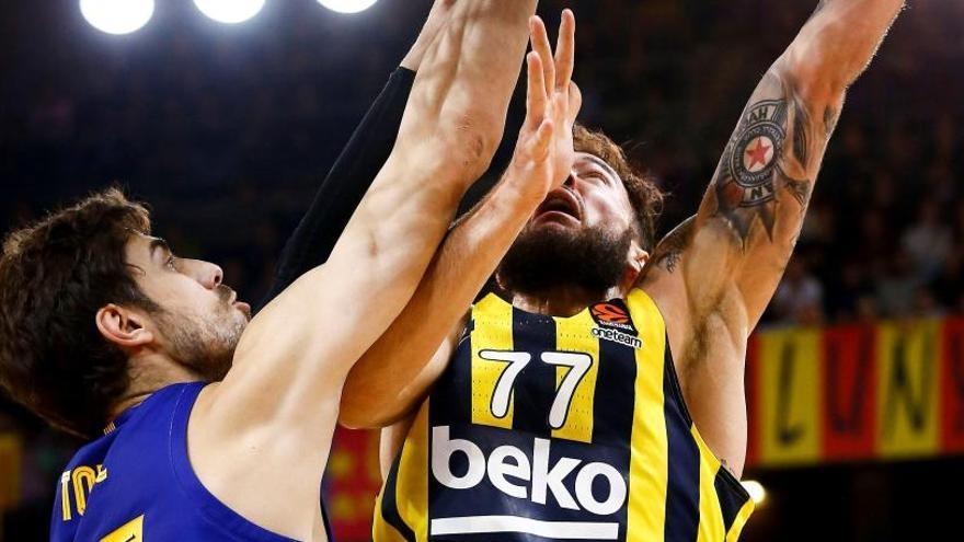 El Barça apallissa un Fenerbahçe de rebaixes i pren el lideratge al CSKA