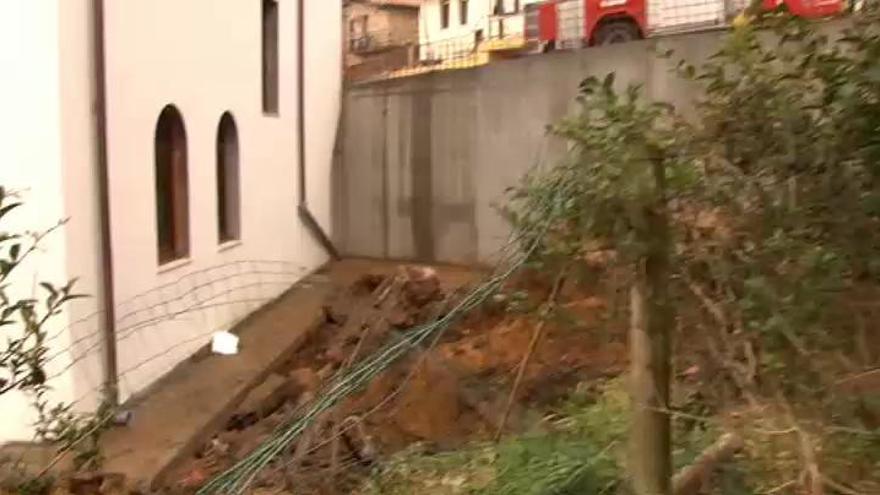 Un trabajador muere al caerle encima un muro en Comillas