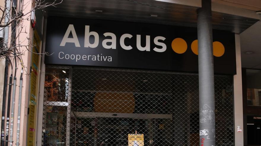 Les cooperatives Abacus i Som estudien fusionar-se