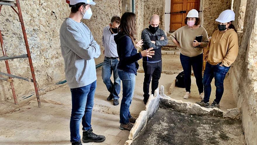 Las obras del ayuntamiento viejo de Vila sacan a la luz la estructura del Convent