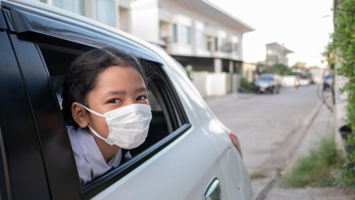 Mascarillas, coches, niños y colegio: todo lo que debes saber para proteger a tus hijos