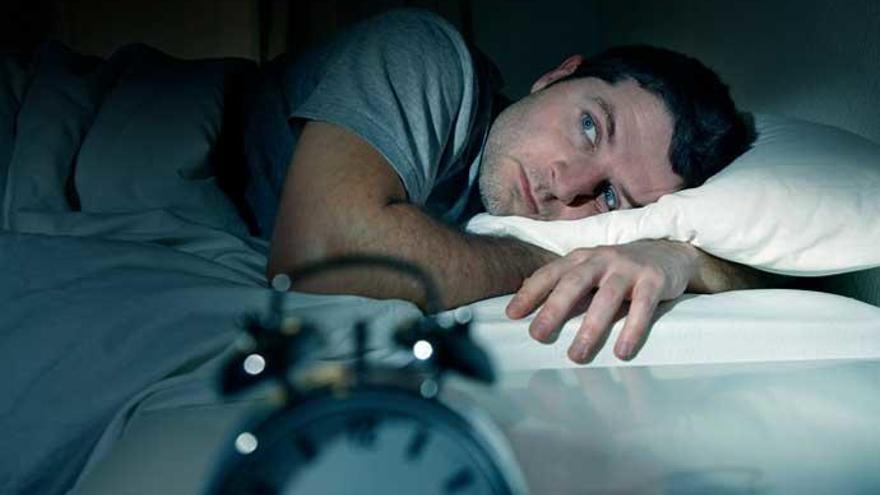 El método militar para dormirse en solo dos minutos