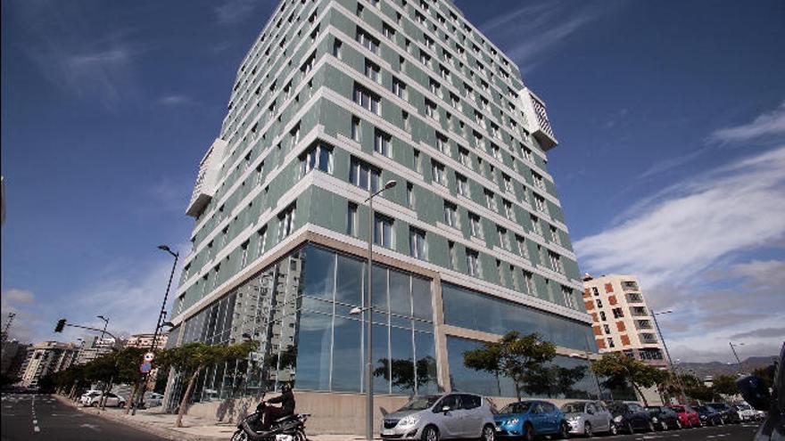 Santa Cruz ya puede recibir los edificios de Antonio Plasencia