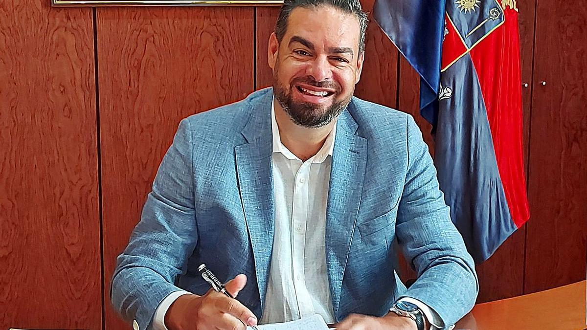 Concejal de Servicios Sociales, Diego Ojeda, en su despacho. | | LP/DLP