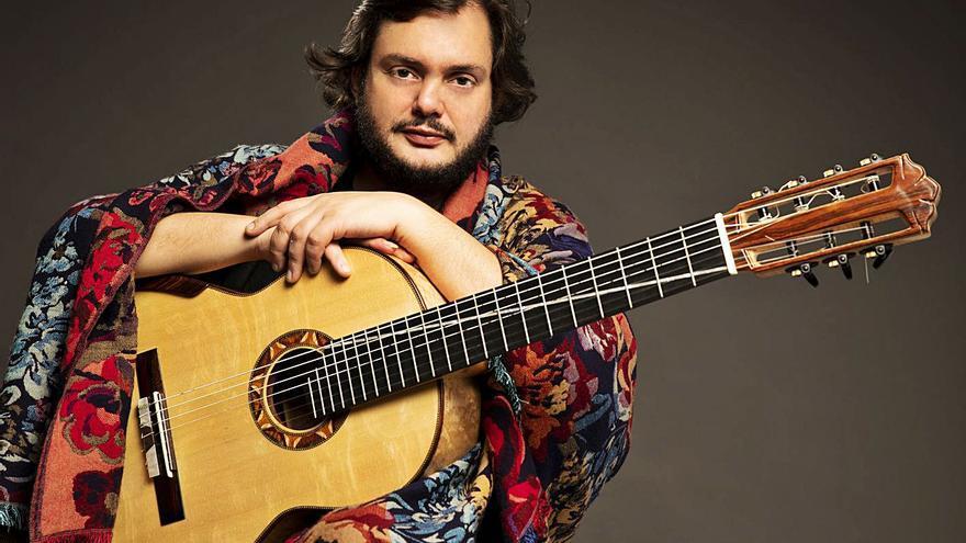 Un prodigio de la guitarra: así suena Yamandu Costa, el artista brasileño que actúa en Oviedo