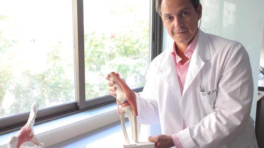 """Dr. Emilio Juan.Traumatólogo: """"La artrosis no tiene cura , a fecha de hoy, pero existen tratamientos y recomendaciones, que retrasan su aparición y alivian los síntomas"""""""