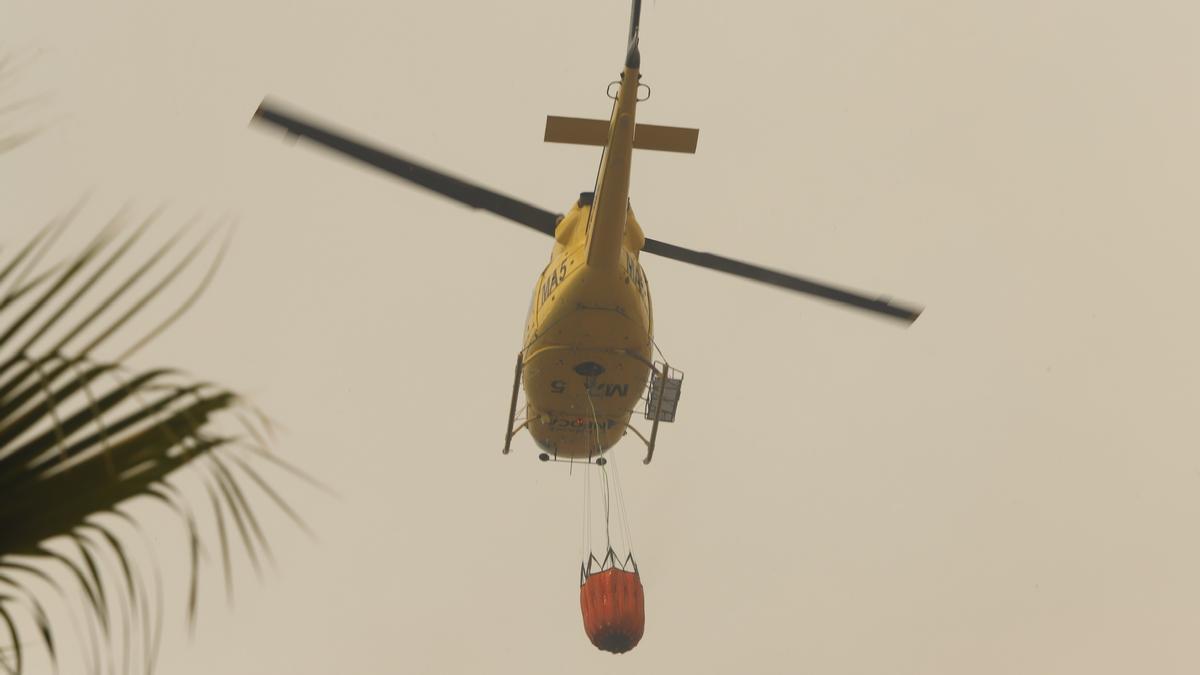 Dos bomberos heridos en la extinción del incendio de Sierra Bermeja