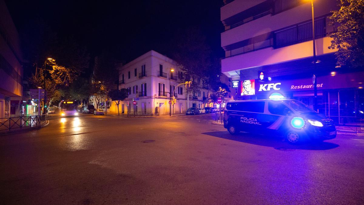 Las calles de Ibiza, vacías durante le toque de queda. Vicent Marí