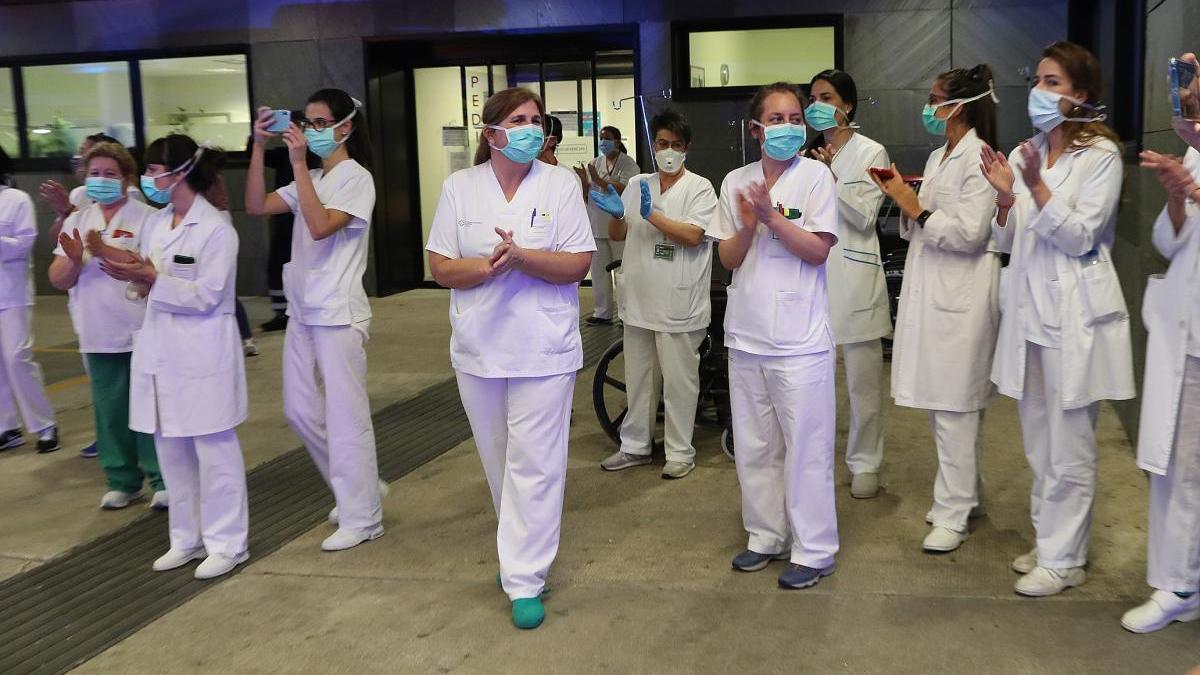 Sanitarios en Urgencias del hospital Álvaro Cunqueiro. // Ricardo Grobas