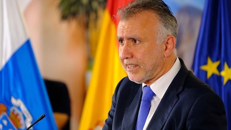 Ángel Víctor Torres apoya el pasaporte sanitario