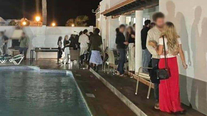 Desalojan una fiesta ilegal con 84 personas en Fuerteventura