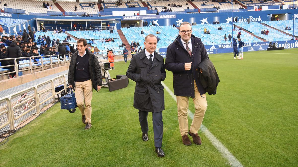 El presidente, Christian Lapetra, y el vicepresidente y consejero delegado, Sainz de Varanda, en La Romareda.