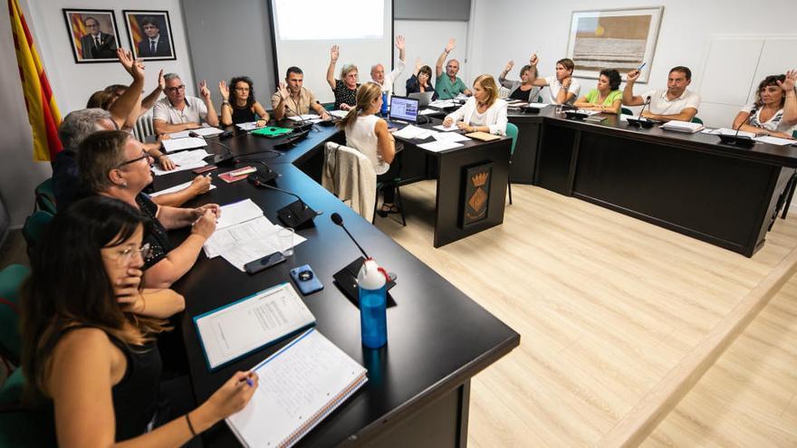 Picabaralla entre els socis de govern a Santa Coloma per la retallada d'un tècnic de Cultura