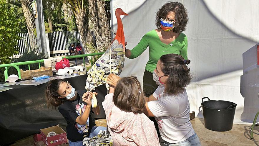 De grullas de papel a desfile de bolillos