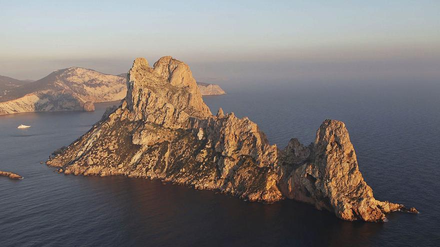 Los 77 islotes de las Pitiusas