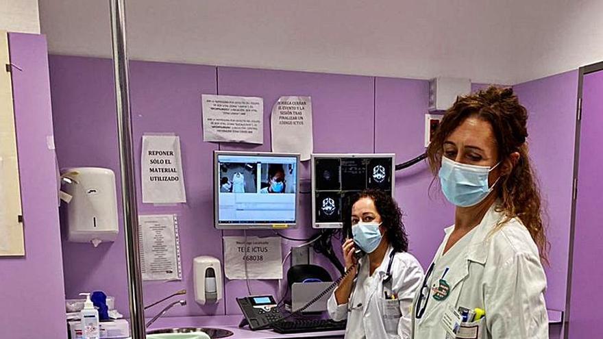 """El """"teleictus"""" del Hospital do Salnés salva a 25 pacientes cada año y acorta el tratamiento a media hora"""