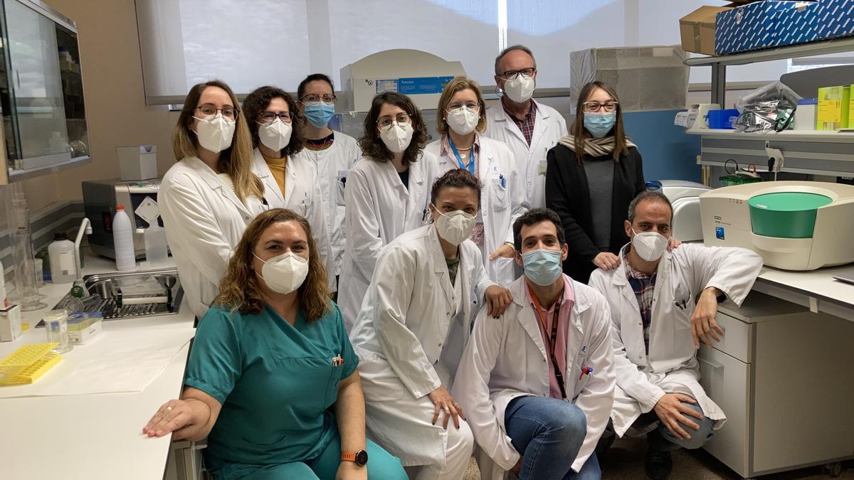 Miembros de los servicios de Análisis Clínicos, Anatomía Patológica y Oncología médica del Santa Lucía.