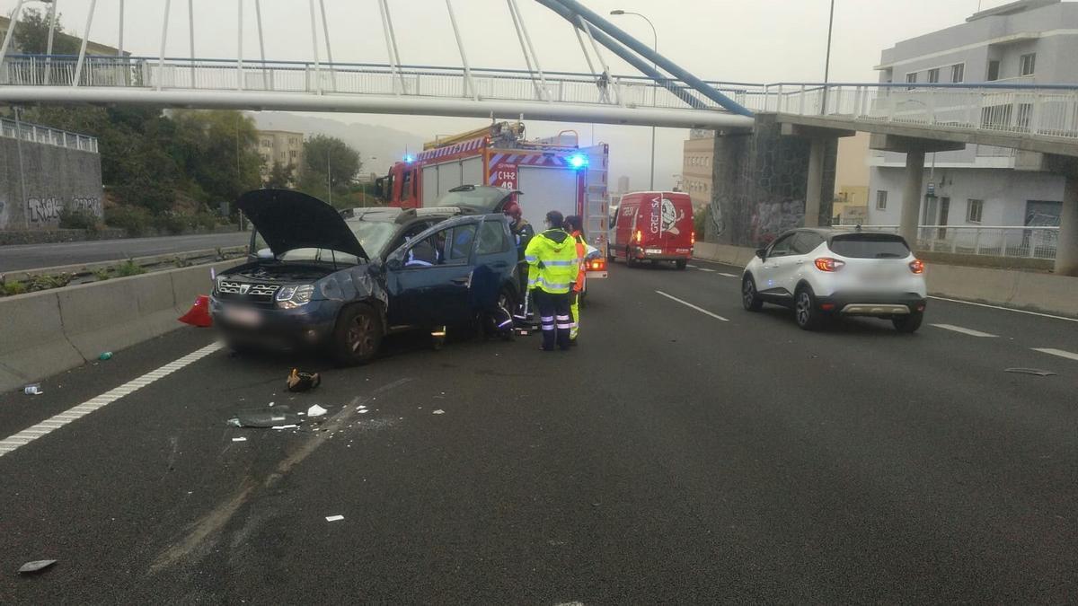 Imagen de la zona del accidente esta mañana en la autopista del Norte.