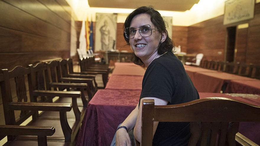 «Ser la primera dona alcaldessa és una responsabilitat afegida»