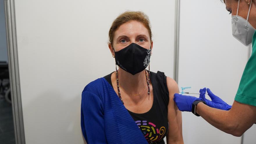 La alcaldesa de Castelló recibe la vacuna contra el coronavirus