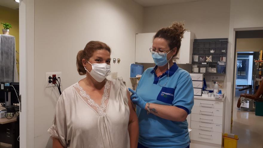 Comienza la vacunación contra el covid de cuidadores no profesionales en el centro Castilla del Pino