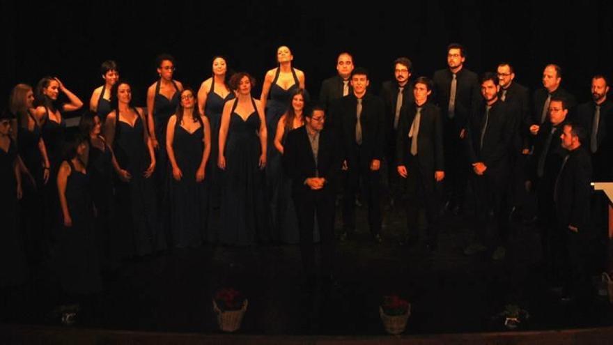 El Coro Diatessaron de Molina se alza con los Cantores de Oro