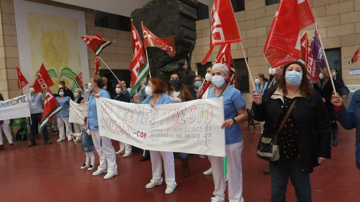 Concentración de las trabajadoras de la limpieza del Reina Sofía.