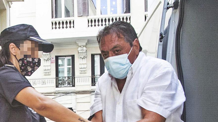 El acusado del crimen machista de Calp declara que él estaba durmiendo cuando su mujer fue acuchillada