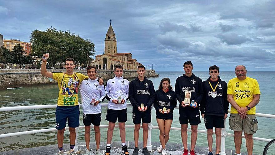 Moreno y Mahamuh, vencedores de la doble travesía playa de San Lorenzo
