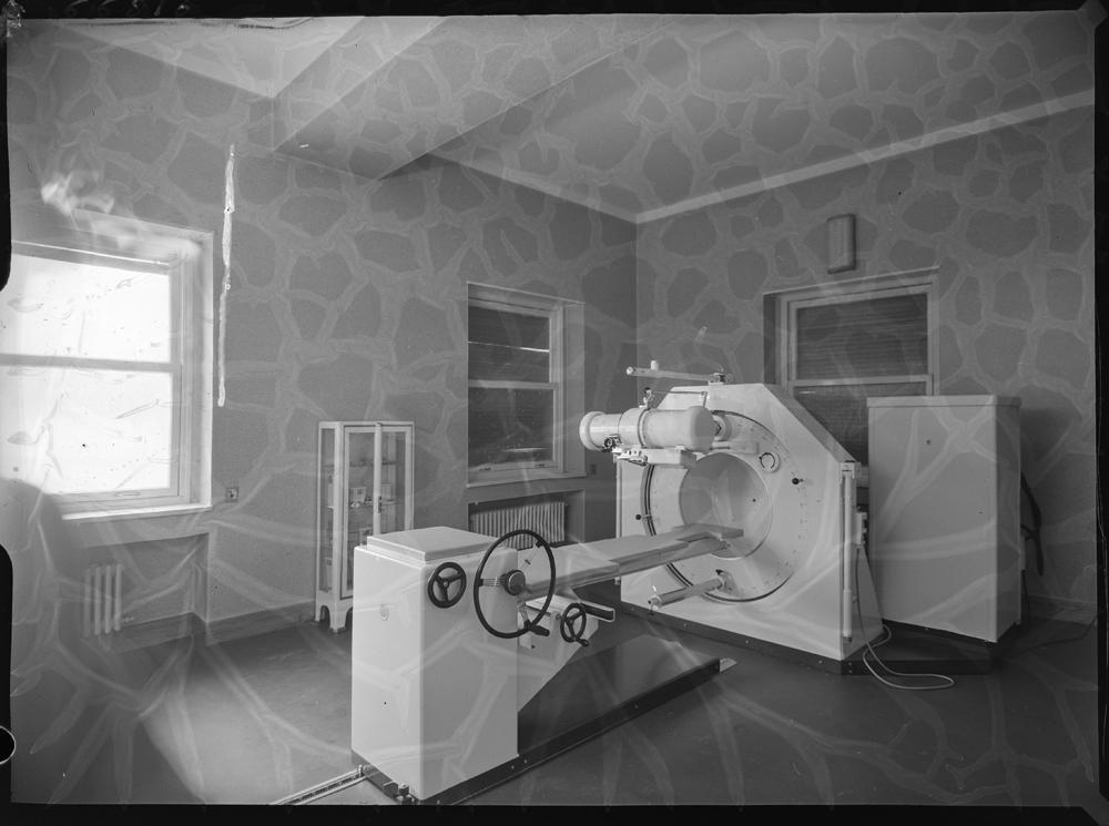 Sala de pruebas con aparato para diagn�stico.jpg