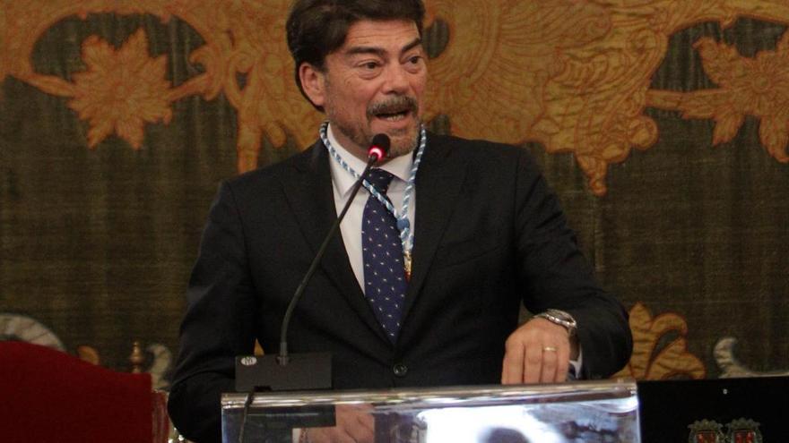 Luis Barcala, un abogado al que se le da bien pintar