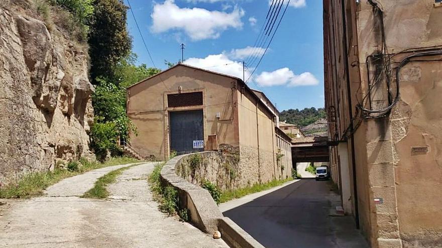 Puig-reig inicia la rehabilitació de l'edifici del batan    i les cardes
