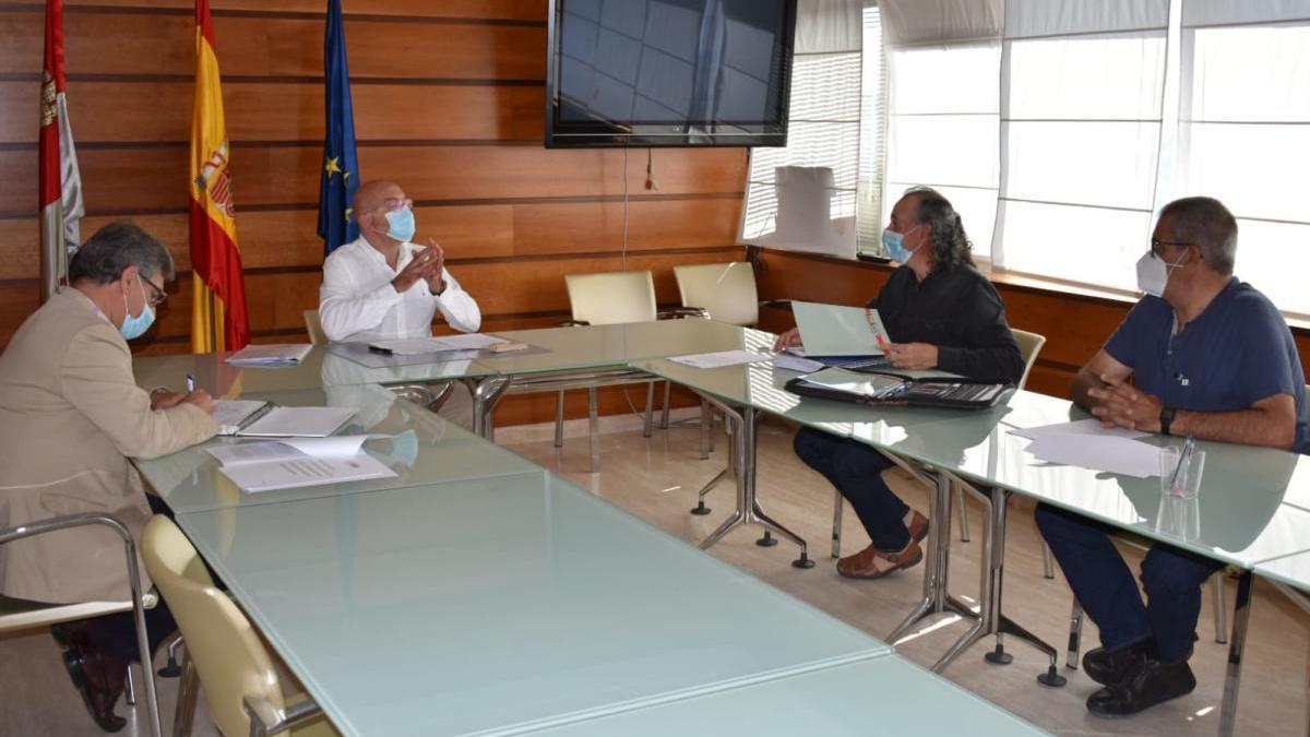 Reunión de Unión de Campesinos de Castilla y león con la Consejería de Agricultura