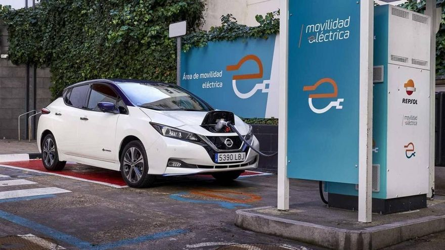 Nissan y Repsol se asocian para promover la movilidad eléctrica