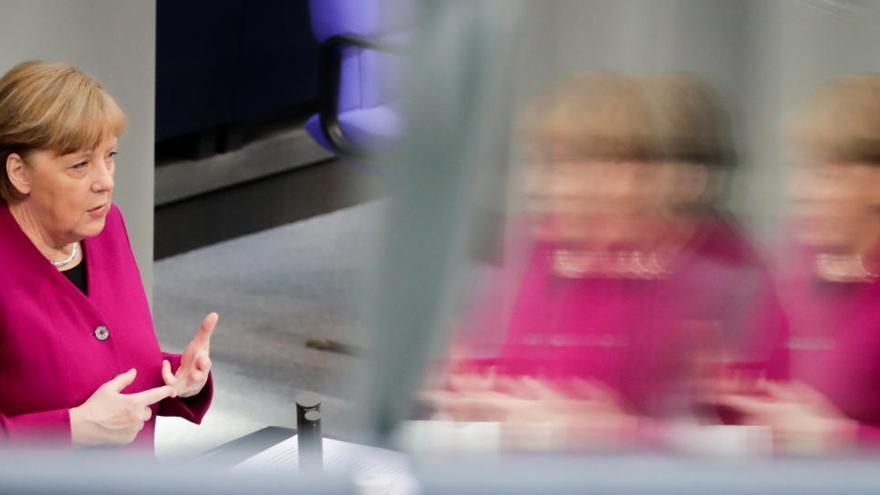 Verbot von Mallorca-Reisen: Merkel will weiter prüfen, rudert aber zurück