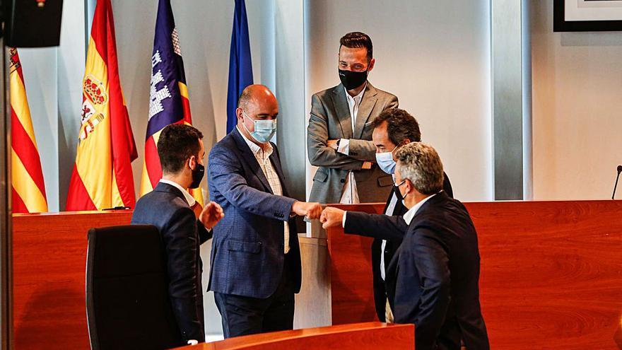Vicent Marí anuncia otra vez que quiere limitar la llegada de vehículos a Ibiza