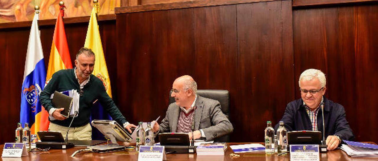 NC y PSOE imponen sus cifras en la Comisión de Desequilibrios del Cabildo