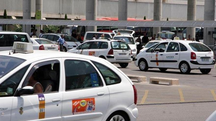 Taxifahrer auf Mallorca rufen für Mittwoch zum Streik auf