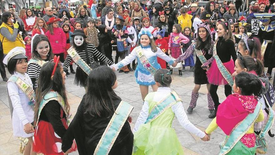 Los niños de Vinaròs abren los actos más locos del Carnaval
