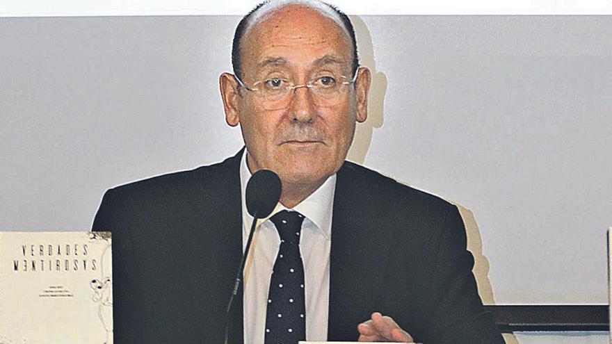 José Manuel Rodríguez Moral, durante la presentación de uno de sus libros.