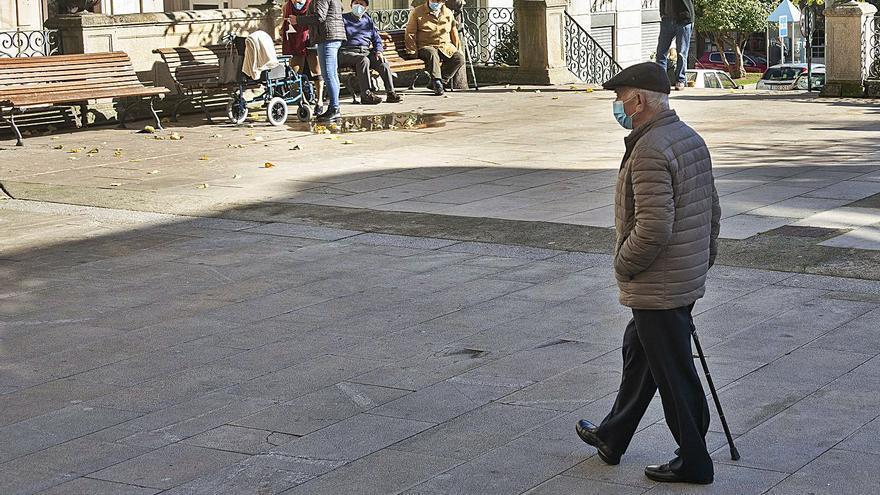 Ourense sigue con restricciones aunque suma quince días de bajada de los casos activos